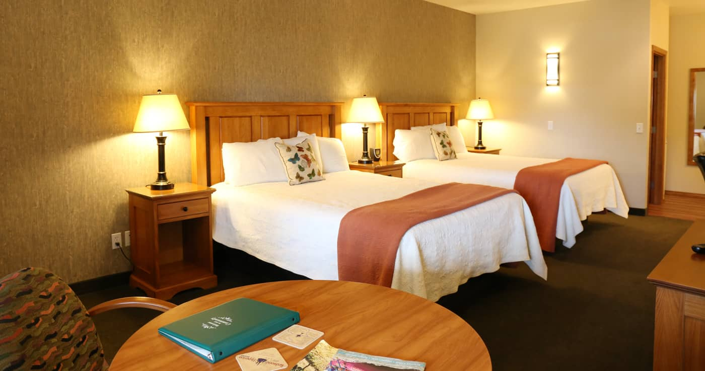 Hotel Rooms at Redwood Hyperion Suites Grants Pass OR